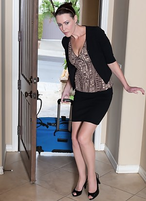 Free Mature Reality Porn Pictures