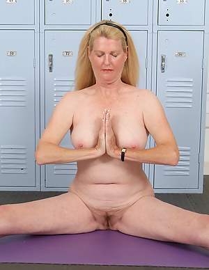 Free Mature Yoga Porn Pictures