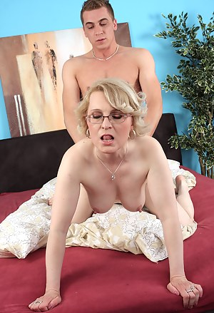 Free Mature Doggystyle Porn Pictures